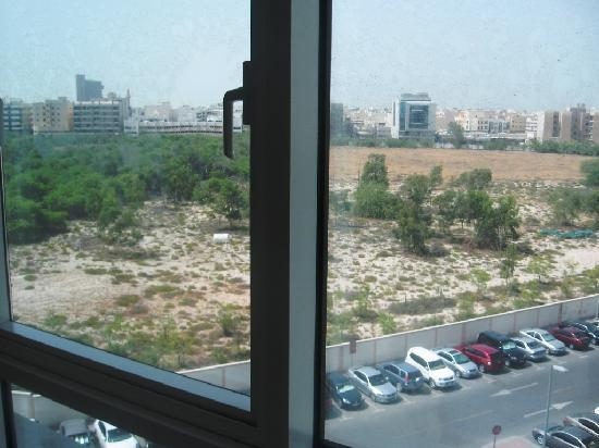 Residence Deira: Back Side VIew From Room - Dubai Cemetery 2