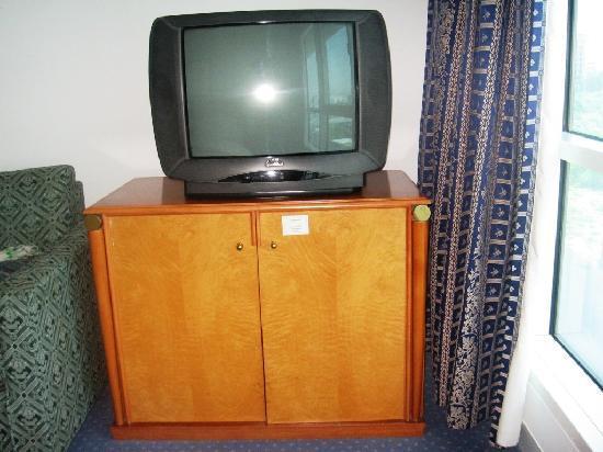 Residence Deira: TV Set