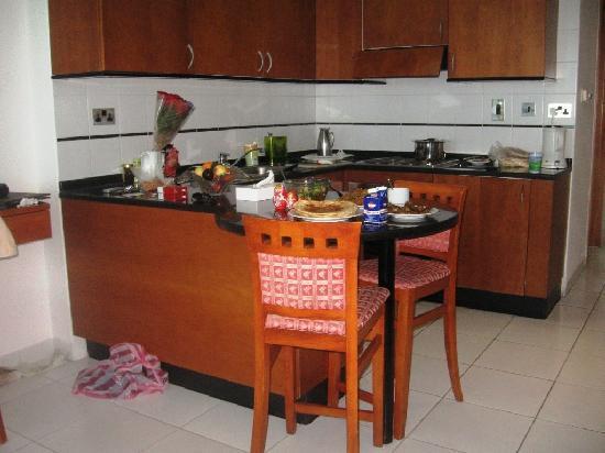 Residence Deira: Kitchenette