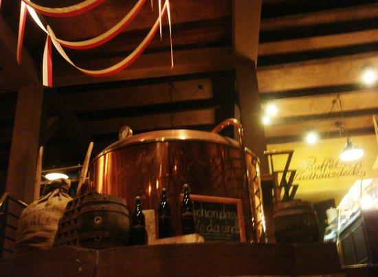 Brauberger zu Lubeck: Il piano superiore e alcuni strumenti per la produzione di birra...