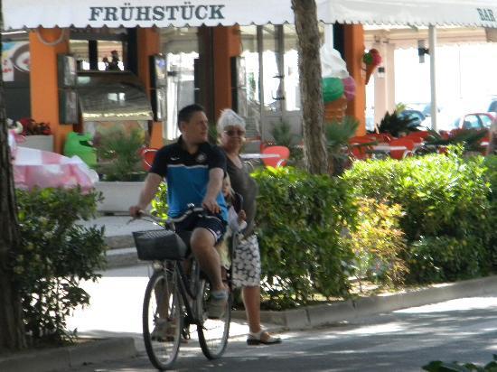 Hotel Mayer : passeggiate in bicicletta