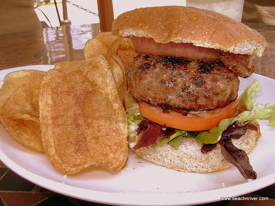 Go To Villaggio Grille For Best Wood-Fired Burger With In-House Wheat Roll