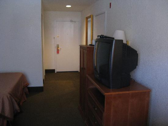 La Quinta Inn Tehachapi : View to door.