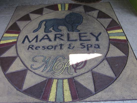 Marley Resort & Spa: Entryway