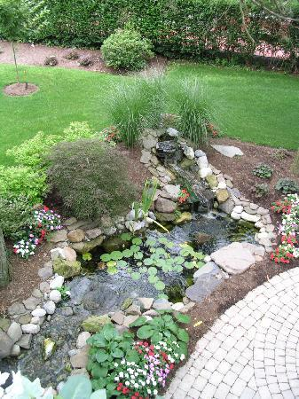 The Patriot House: Patriot House Water Garden