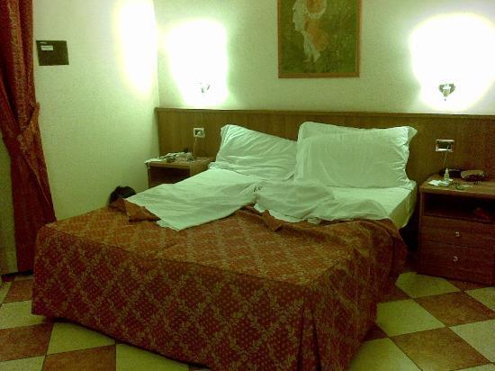 Hotel RomAntica: bed