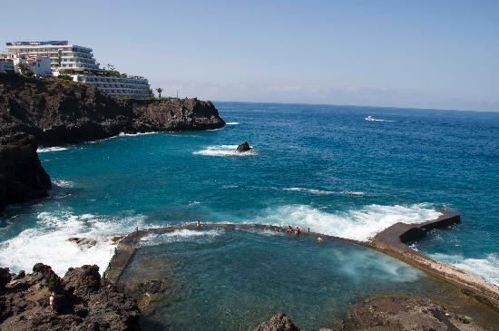 Foto de barcel santiago puerto de santiago piscina for Piscina natural tenerife