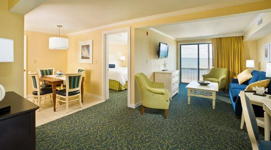 Surfside Hotel & Suites: New Waterfront Suite with a kitchen and separate living area.