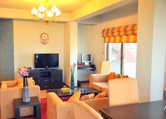 34 Morning Side: Lounge in the Suites