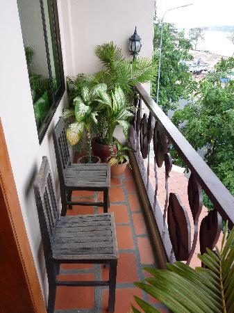 Waterview Guest House: Balcony