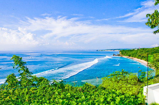 Pecatu, Indonesia: View of secluded Suluban Beach from above the Cliff