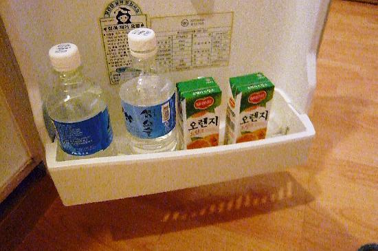ホテル エンジェル, 無料のお水&オレンジジュース