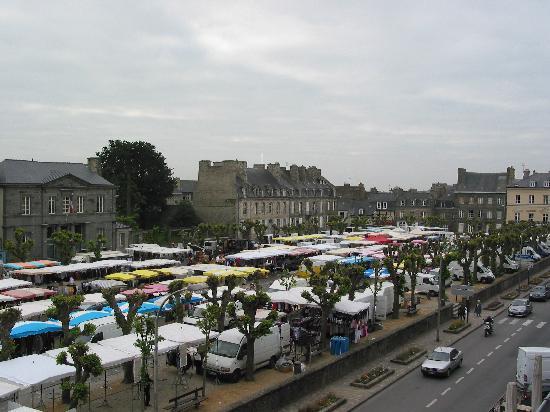 Hotel Le d'Avaugour : Thursday market