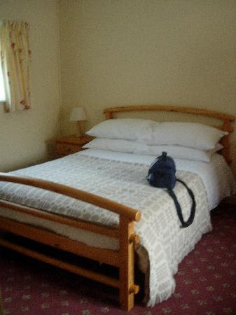 Snowdonia Mountain Lodge: comfy king size bed