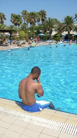 Dome Beach Hotel & Resort: Main Pool