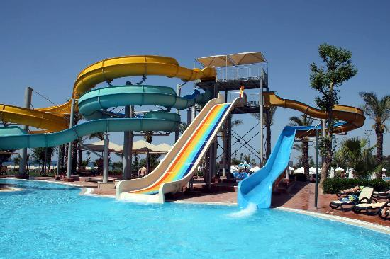 The slides pool picture of paloma grida resort spa for Piscine 07500