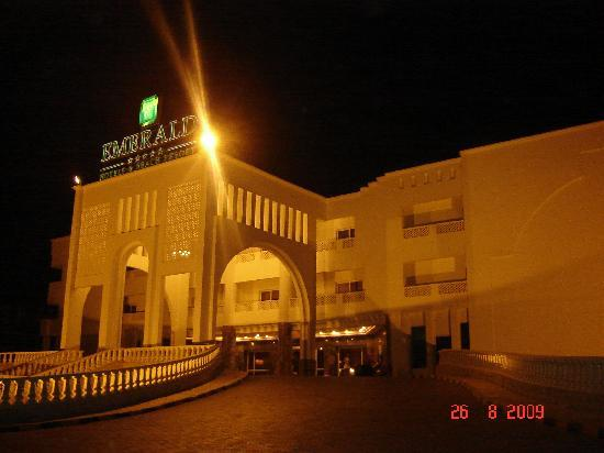 Golden 5 Emerald Resort: Entrance