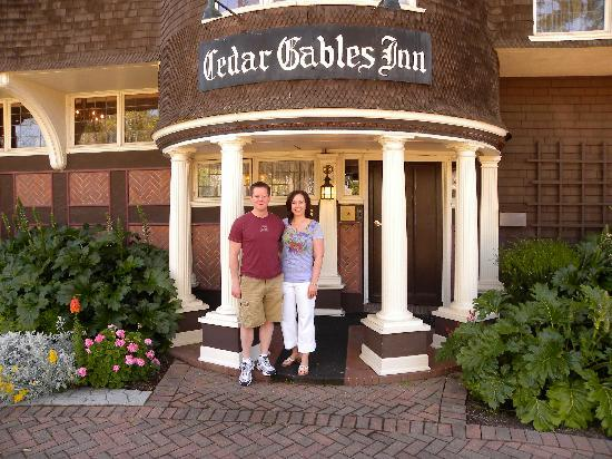 Cedar Gables Inn: Front of Cedar Gables