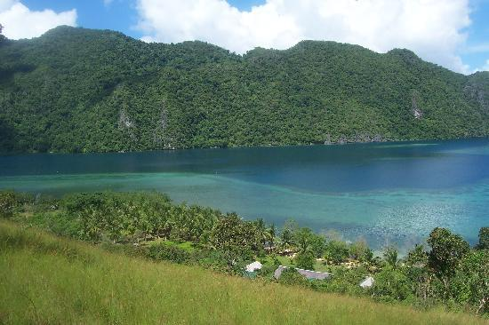 Majika's Island Resort: View of Majika Adventurer Resort on Hiking Track.