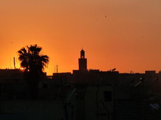 Riad Noir d'Ivoire: Sunset from the rooftop