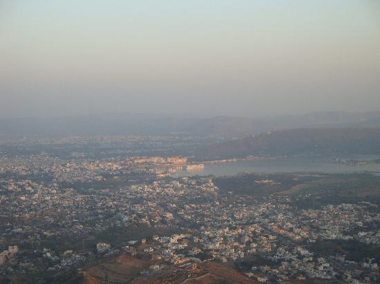 Hotel Nayee Haveli : Udaipur city view from Monsoon Palace