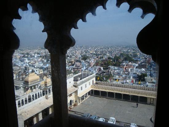 Hotel Nayee Haveli : View from City Palace over Udaipur city