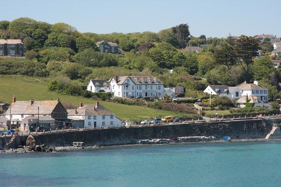 Coverack, UK: View of the hotel from the harbour