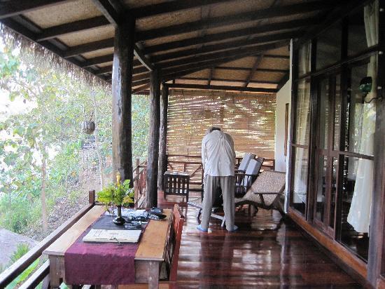 Lao Spirit Resort: Balcony overlooking River