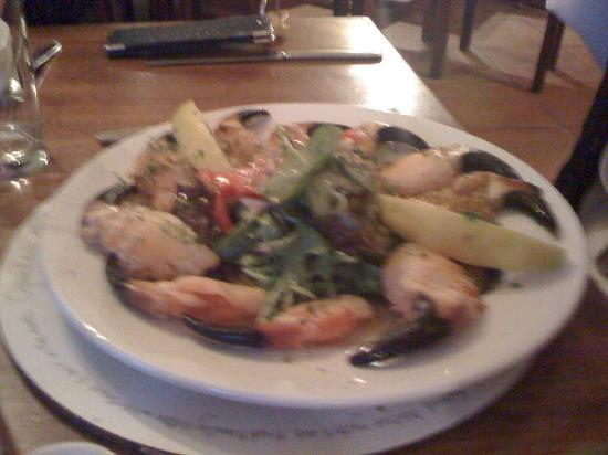 Eldon's Hotel & Restaurant: Crab claws@rest (sorry for blurry pic)