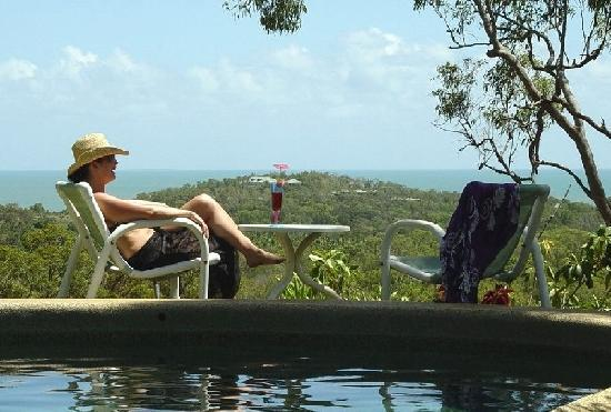 Coral Sea Retreat Bed and Breakfast: Enjoy our pool with a view!