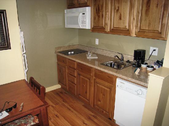 Bedroom photo de homewood suites by hilton jackson for Kitchen jackson hole