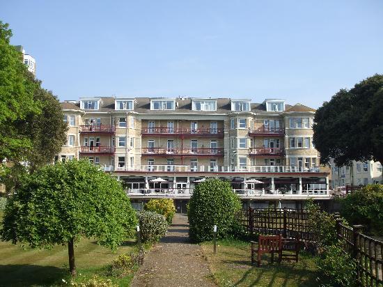 The Savoy Hotel: Hotel from garden