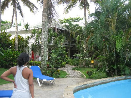 Cabarete Surfcamp: walking to the room