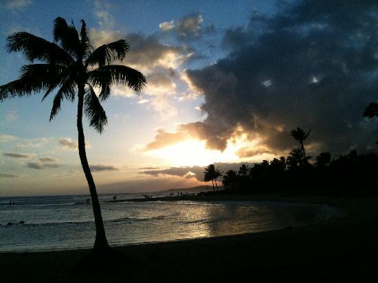 Aston at Poipu Kai : Sunset at the bottom of the Garden