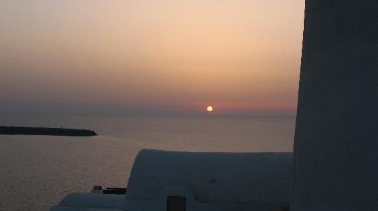 Fotinos Houses: Sunset from terrace