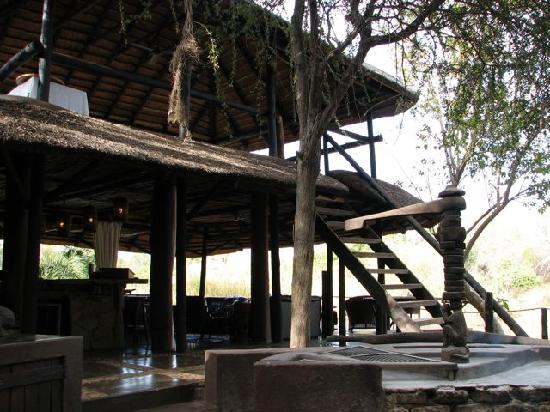 Mogalakwena River Lodge: the heart of the lodge