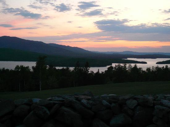Greenville Inn: Moosehead Lake at sunset.
