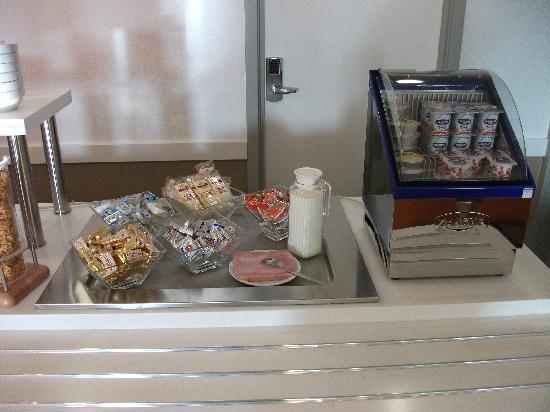 Hotel Ibis Budget Brugge Centrum Station: Breakfast buffet