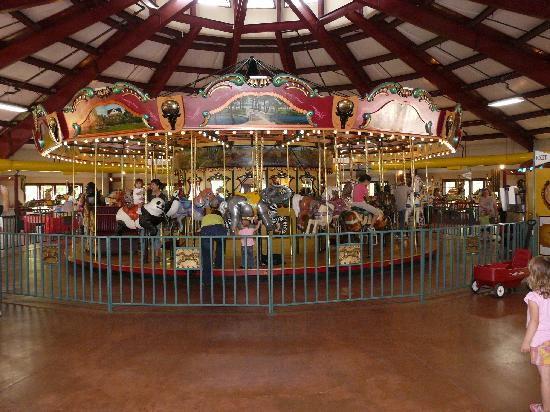 Bridgeport, CT: Carousel
