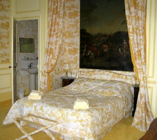 Chateau de la Barre : The Chambre Jaune