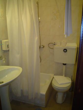Hotel Grande Rio: Baño de la habitación