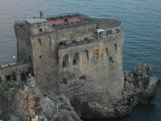 Torre Normanna Restaurant: la torre normanna