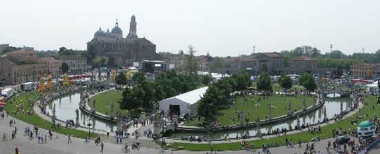 Il mercato bild von prato della valle padua tripadvisor for Mercato prato della valle