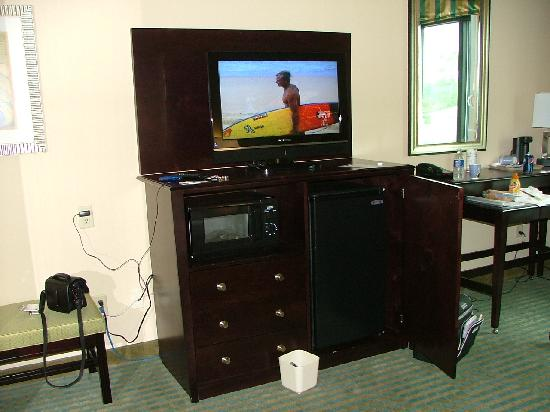 Holiday Inn Express Hotel & Suites Gulf Shores: There's a small microwave and refrigerator.