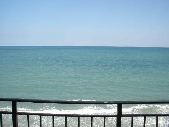 Garden City Beach, Carolina del Sur: View from straight off balcony.
