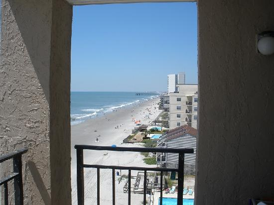 Garden City Beach, Carolina del Sur: Southern view/Garden City Pier from balcony.