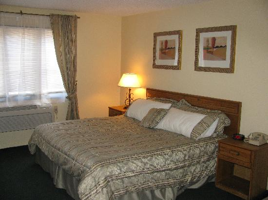 Americas Best Value Inn-  Webster City: jacuzzi room
