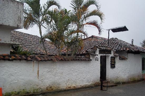 Valle de Angeles, Honduras: La Casa de Las Abuelas