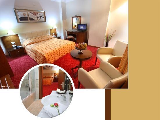 Alkhaleej Hotel: triple room