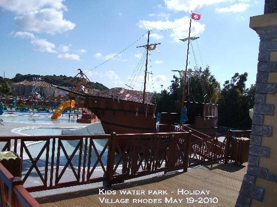 Holiday Village Rhodes: kids water park before opening at 10 am